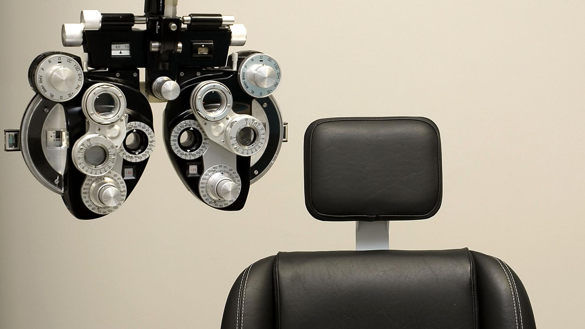 5178cf4b5c8ce Como o Oftalmologista calcula o grau dos óculos  - SOBLEC
