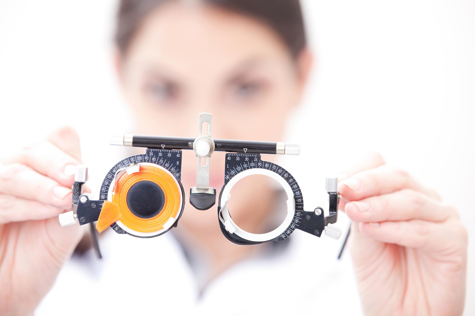 d36bfdfe9 Receitar óculos com grau: uma tarefa que só o oftalmologista pode fazer.